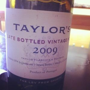 Porto - Taylor's - Ruby - LBV - 2009 - rouge - insta
