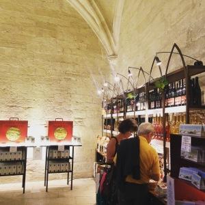 Avignon-Palais-des-papes-La-Bouteillerie-01