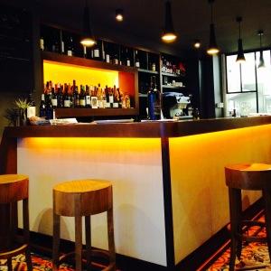 Le bar, pour être au plus près des quilles