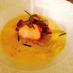 Raviole aux cèpes & homard breton. Du love & du miam.