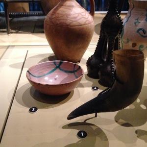 Qhantsi (corne à boire la vin – 1920) & Phiala (bol à vin, début XXe siècle)