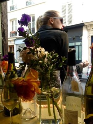 Paris - Septime la cave - Bar cave à vins - fleurs