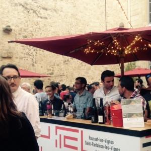 Bar à vins inter-rhone - avignon - festival - stand vins 2