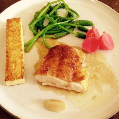 Chablis - Au fil du Zinc - Restaurant - Plat - poulet - asperge - polenta